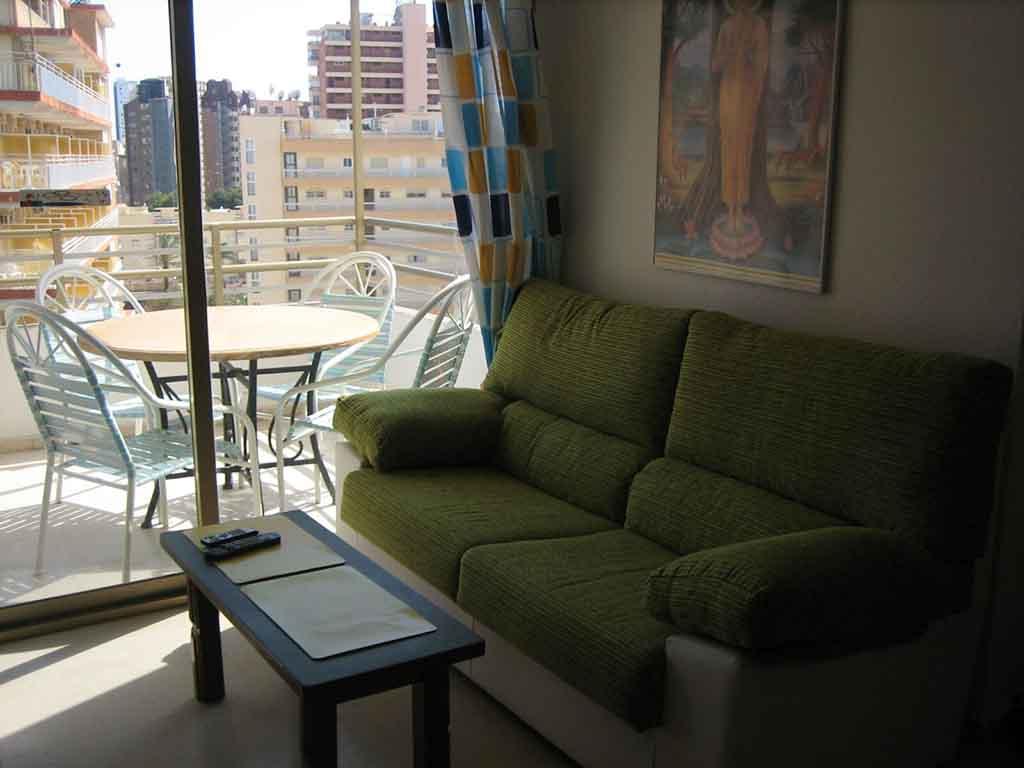 Piso de dos habitaciones en alquiler 8 compra y for Habitaciones en alquiler