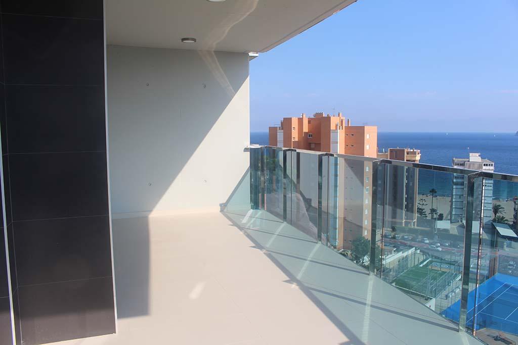 Piso de lujo en venta con vistas al mar en benidorm 12 for Pisos con vistas al mar