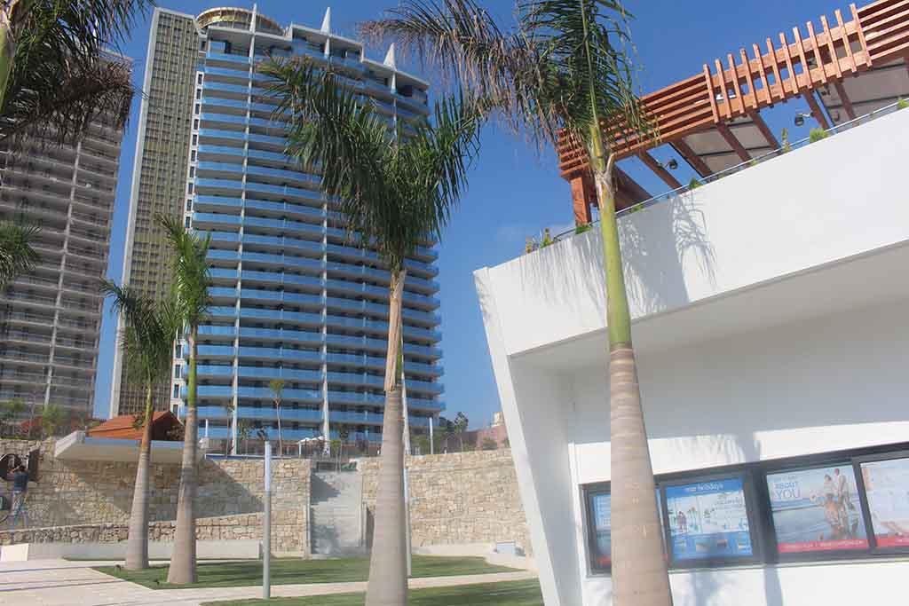 Piso de lujo en venta con vistas al mar en benidorm for Pisos con vistas al mar